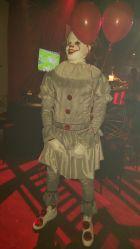 Ο Λεμπρόν Τζέιμς ντυμένος Pennywise μας έκανε να δούμε εφιάλτες