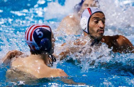 Ο Χρήστος Αφρουδάκης του Ολυμπιακού σε στιγμιότυπο του αγώνα με τη Βουλιαγμένη για τη κανονική διάρκεια της Α1 πόλο 2019-2020 στο κολυμβητήριο Λαιμού, Σάββατο 16 Νοεμβρίου 2019