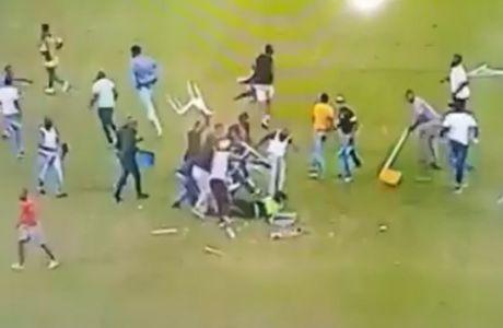 Οπαδοί χτύπησαν γυναίκα σεκιούριτι στο κεφάλι με καρέκλες και κλωτσιές