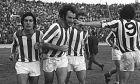 Τριαντάφυλλος, Λοσάντα, Δεληκάρης και Αργυρούδης πανηγυρίζουν ένα γκολ του Ολυμπιακού τη σεζόν 1972-73