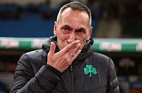 Ο Γιώργος Δώνης συγκινημένος μετά την περιπετειώδη πρόκριση του Παναθηναϊκού επί του ΠΑΣ Γιάννινα για τους '16' του Κυπέλλου Ελλάδας, την Τετάρτη 15 Ιανουαρίου 2020