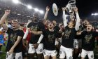 Οι παίκτες της Βαλένθια γιορτάζουν την κατάκτηση του Copa Del Rey, έχοντας κερδίσει στον τελικό την Μπαρτσελόνα, στο γήπεδο Benito Villamarin, το Σάββατο 25 Μαΐου 2019