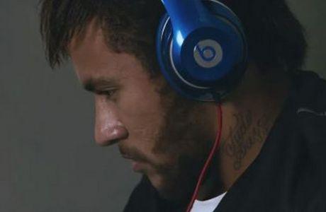 Χορηγός απαγόρευσε τ' ανταγωνιστικά ακουστικά!