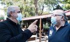 Οι μάσκες προστασίας για Αργύρη Πεδουλάκη και Γιάννη Φιλέρη πριν ξεκινήσει η χειμαρρώδης συνέντευξη στο Contra.gr