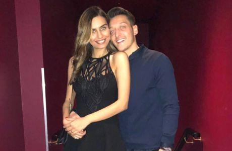 Τρελά ερωτευμένος με την Μις Τουρκία ο Οζίλ