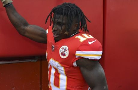 Kansas City Chiefs wide receiver Tyreek Hill (10) takes leave of fans following an NFL football game against the Arizona Cardinals in Kansas City, Mo., Sunday, Nov. 11, 2018. Kansas City Chiefs won 26-14. (AP Photo/Ed Zurga)