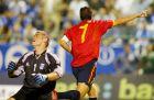 Ο Ραούλ σκοράρει εναντίον της Ελλάδας (7/9/2002)