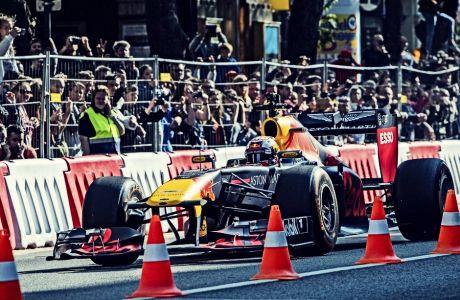 Η Formula 1 επαναπροσδιορίζει τον όρο 'ακριβό σπορ'