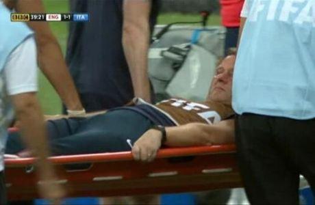 Έσπασε το πόδι του πανηγυρίζοντας ο φυσιοθεραπευτής της Αγγλίας