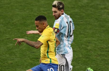 Brazils Neymar, left and Argentinas Lionel Messi compete for the ball during a 2018 World Cup qualifying soccer match at the Estadio Mineirao in Belo Horizonte, Brazil, Thursday Nov. 10, 2016. (AP Photo/Eugenio Savio)