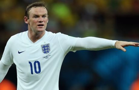 MANAUS, BRAZIL - JUNE 14:  Wayne Rooney of England gestures during the 2014 FIFA World Cup Brazil Group D match between England and Italy at Arena Amazonia on June 14, 2014 in Manaus, Brazil.  (Photo by Richard Heathcote/Getty Images)