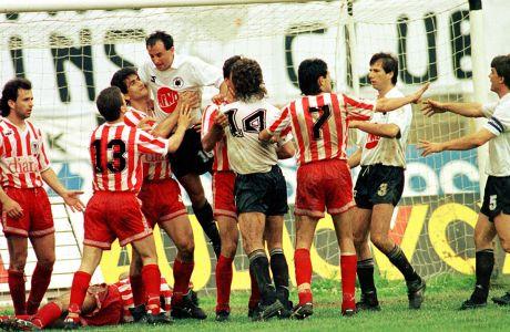 Επεισόδια μεταξύ παικτών του ΠΑΟΚ και του Ολυμπιακού από τον πρώτο τελικό Κυπέλλου Ελλάδας 1991-1992 στο γήπεδο της Τούμπας, Κυριακή 24 Μαΐου 1992