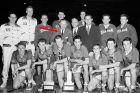 Ο εμπνευστής του τρίποντου, ο οποίος διετέλεσε πρόεδρος της Ένωσης των κόουτς για χρόνια και μέλος της αμερικανικής Ολυμπιακής επιτροπής μπάσκετ, με την Team USA του 1952.