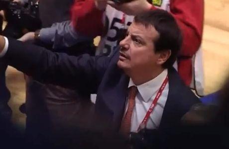 Ο Αταμάν σταμάτησε την ένταση στις εξέδρες! (VIDEO)