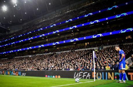 Ο Γιώργος Μασούρας του Ολυμπιακού σε στιγμιότυπο από την αναμέτρηση με την Τότεναμ για τη φάση των ομίλων του Champions League 2019-2020 στο 'Τότεναμ Στέιντιουμ', Λονδίνο, Τρίτη 26 Νοεμβρίου 2019
