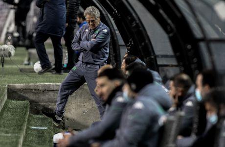Ο προπονητής του Παναθηναϊκού, Λάζλο Μπόλονι, σε στιγμιότυπο της αναμέτρησης με τον ΠΑΟΚ για τη Super League Interwetten 2020-2021 στο γήπεδο της Τούμπας | Κυριακή 20 Δεκεμβρίου 2020