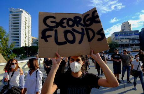 Στιγμιότυπο από την πορεία διαμαρτυρίας για τη δολοφονία του Τζορτζ Φλόιντ από αστυνομικό, Λευκωσία, Κυριακή 31 Μαΐου 2020