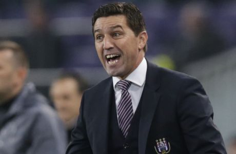 Anderlecht's coach Besnik Hasi shouts instructions to his players during the Group D Champions League match between Anderlecht and Galatasaray at the Constant Vanden Stock Stadium in Brussels, Belgium, Wednesday Nov. 26, 2014. (AP Photo/Yves Logghe)