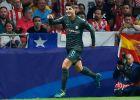 """Ο Μοράτα πανηγυρίζει το γκολ του με την Τσέλσι απέναντι στην Ατλέτικο μέσα στο """"Wanda Metropolitano"""" για τους ομίλους του ChL (27/9/2017)."""