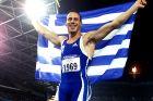 Ο Κώστας Κεντέρης πανηγυρίζει την κατάκτηση του χρυσού μεταλλίου στα 200μ. στίβου στους Ολυμπιακούς Αγώνες 2000 στο 'ANZ Stadium', Σίδνεϊ | Πέμπτη 28 Σεπτεμβρίου 2000