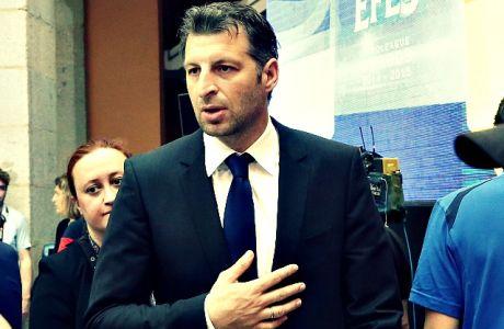 """Ο λόγος του εμπάργκο του Παπαλουκά στα ελληνικά ΜΜΕ και τα """"επεισόδια"""" στη Μαδρίτη"""