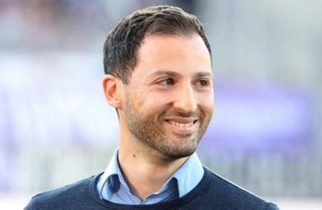 Προπονητής ετών 31 στην Σάλκε