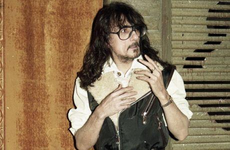 Ο ΗΘΟΠΟΙΟΣ ΣΤΑΘΗΣ ΨΑΛΤΗΣ ΣΕ ΦΩΤΟΓΡΑΦΙΣΗ ΤΟΥ 1985.