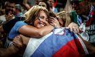 Η αγκαλιά της μάνας: το μεγαλύτερο παράσημο του πιτσιρικά Ντόντσιτς