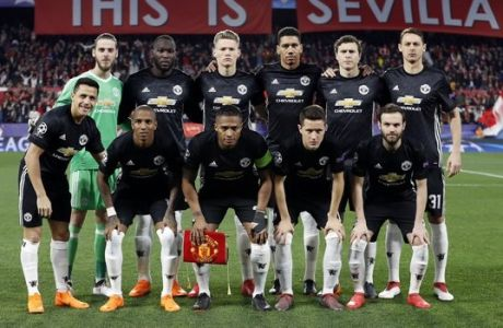 Manchester United players pose before the Champions League round of sixteen first leg soccer match between Sevilla FC and Manchester United at the Ramon Sanchez Pizjuan stadium in Seville, Spain, Wednesday, Feb. 21, 2018. (AP Photo/Miguel Morenatti)
