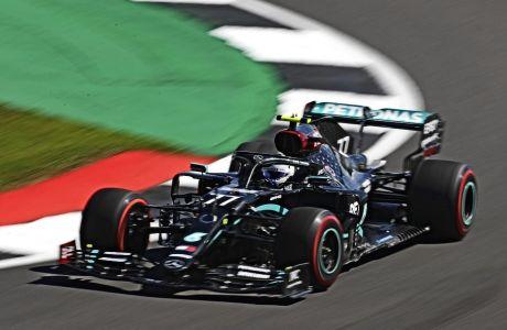 Ο Βάλτερι Μπότας είχε πρόταση από τη Renault, τελικά όμως, αποφάσισε να συνεχίσει να αγωνίζεται με τη Mercedes, όπου πήγε το 2017.