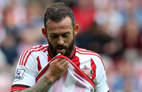 Sunderland's Steven Fletcher during their English Premier League soccer match between Sunderland and Swansea City at the Stadium of Light, Sunderland, England, Saturday, Aug. 22, 2015. (AP Photo/Scott Heppell)