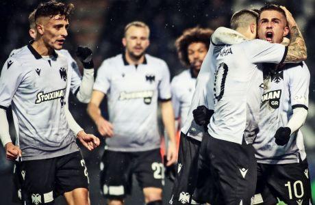 Βιεϊρίνια και Πέλκας πανηγυρίζουν το γκολ - πέναλτι του Πορτογάλου στη νίκη του ΠΑΟΚ με σκορ 2-0 επί του Παναθηναϊκού στην Τούμπα, για την προημιτελική φάση του Κυπέλλου Ελλάδας (05/02/2020) - ΦΩΤΟΓΡΑΦΙΑ: MOTION TEAM