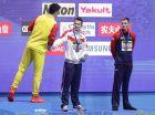 Ο Σουν Γιανγκ επιτίθεται λεκτικά στον Ντάνκαν Σκοτ για την επιλογή του να μην ανέβει στο βάθρο ή να τον συγχαρεί για το χρυσό μετάλλιο