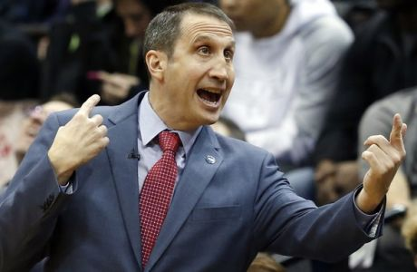 Cleveland Cavaliers head coach David Blatt directs his team in the first quarter of an NBA basketball game against the Minnesota Timberwolves, Friday, Jan. 8, 2016, in Minneapolis. (AP Photo/Jim Mone)