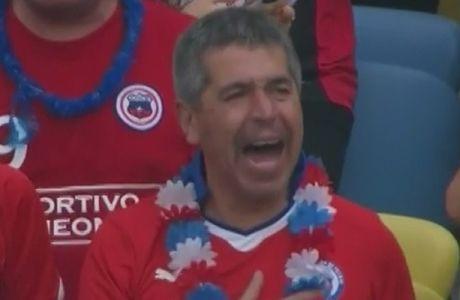 """""""Τρελαμένος"""" Χιλιανός με τον εθνικό ύμνο"""