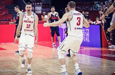 Η Πολωνία νίκησε τη Ρωσία και συνέχισε την αήττητη πορεία της στο Παγκόσμιο Κύπελλο της Κίνας