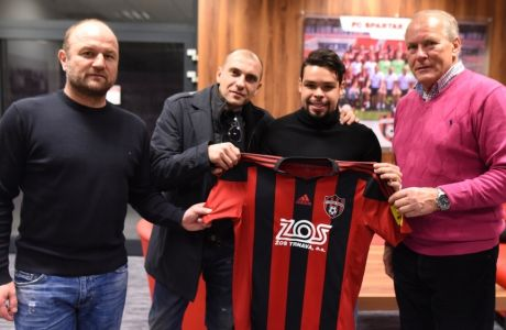 Από κορυφαίος νέος ποδοσφαιριστής στη Μάλτα και τώρα στη Σλοβακία!