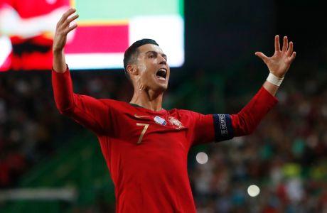 Ο Κριστιάνο Ρονάλντο της Πορτογαλίας πανηγυρίζει το γκολ που σημείωσε κόντρα στο Λουξεμβούργο για τα προκριματικά του Euro 2020 στο 'Ζοζέ Αλβαλάδε', Λισαβόνα, Παρασκευή 11 Οκτωβρίου 2019
