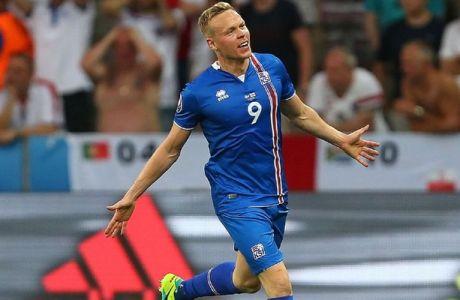 H ΕΠΙΚΗ περιγραφή του Ισλανδού σπίκερ στο γκολ του Σίγκθορσον
