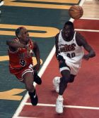 Chicago Bulls' Dennis Rodman and Seattle SuperSonics' Shawn Kemp chase down a loose ball during the first quarter of Game 4 of the NBA Finals Wednesday, June 12, 1996, in Seattle. (AP Photo/Bob Galbraith)