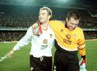 Αλέν Ρος και Σάντι Κανιθάρες πανηγυρίζουν το 6-0 επί της Ρεάλ Μαδρίτης στον ημιτελικό του ισπανικού Κυπέλλου (9/6/1999)