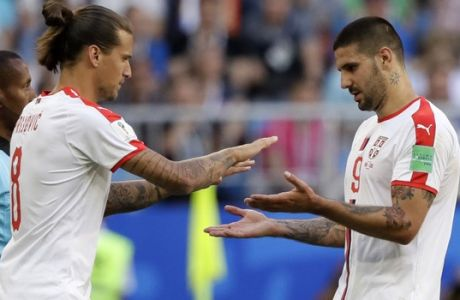 Serbia's Aleksandar Mitrovic is replaced by Aleksandar Prijovic during the group E match between Costa Rica and Serbia at the 2018 soccer World Cup in the Samara Arena in Samara, Russia, Sunday, June 17, 2018. (AP Photo/Mark Baker)
