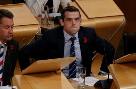 Απίθανο: Βουλευτής στη Σκωτία δεν πήγε στη βουλή γιατί ήταν διαιτητής στο Σπόρτινγκ-Ρεάλ!