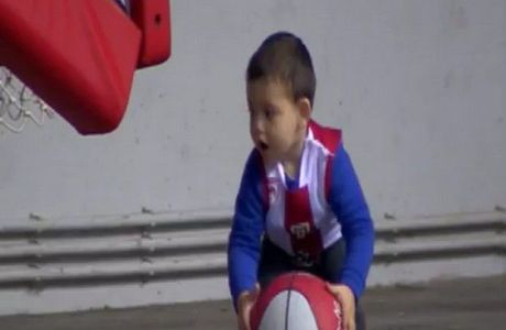 O Σπανούλης junior καρφώνει! (VIDEO)