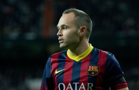 MADRID, SPAIN - MARCH 23:Andres Iniesta of FC Barcelona looks on during the La Liga match between Real Madrid CF and FC Barcelona at Estadio Santiago Bernabeu on March 23, 2014 in Madrid, Spain.  (Photo by Gonzalo Arroyo Moreno/Getty Images)