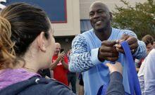 Ο Michael Jordan μπορεί να δίνει λεφτά όλη μέρα