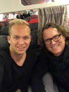Στο αεροπλάνο ο Χολτσχάουζερ...
