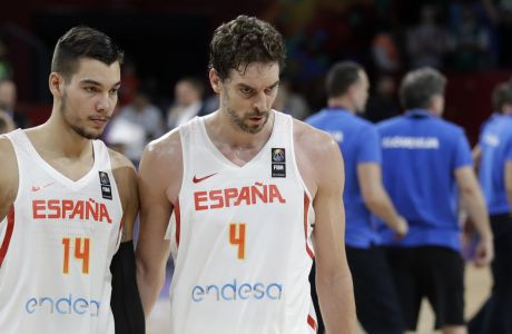 Spain's Pau Gasol, right, and his teammate Willy Hernangomez, left, walk off the court after loosing to Slovenia during their Eurobasket European Basketball Championship semifinal match in Istanbul, Thursday, Sept. 14. 2017. (AP Photo/Lefteris Pitarakis)