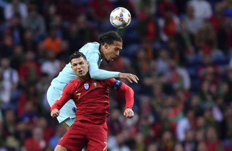O Βίρτζιλ φαν Ντάικ αντιμέτωπος με τον Κριστιάνο Ρονάλντο για τον τελικό του Nations League 2019, στο Πόρτο, Κυριακή 9 Ιουνίου 2019