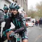 Μπορείς να αναγκάσεις ποδηλάτισσα να φρενάρει για να μην νικήσει άντρες;